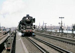 b_300_300_16777215_00_images_hgbf_pfeilerbahn_pfeilerbahn21_eisenbahnstiftung.jpg